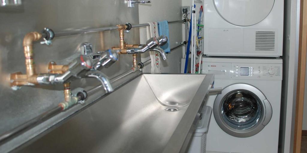 Waschraum Waschmaschine Tumbler Preis gratis